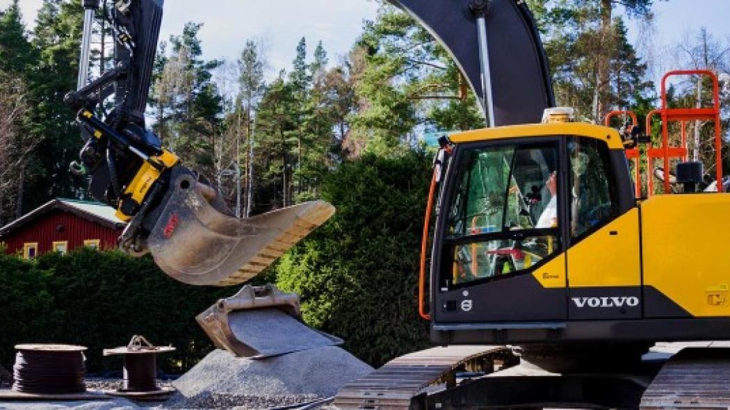 Hanterar infrastrukturprojekt med automatiserad maskinstyrning