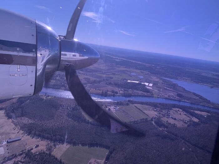 Luft under vingarna för flygfotografering