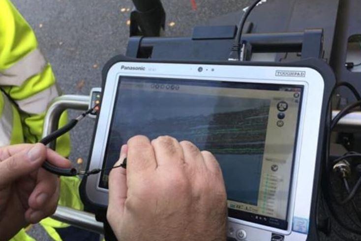 Portabel markradar ger fullständig rapport över nedgrävda ledningar